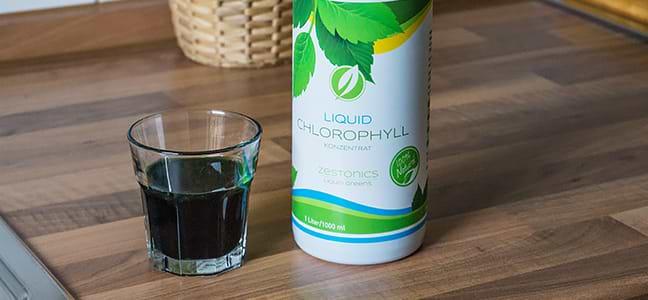 Liquid Chlorophyll und Glas